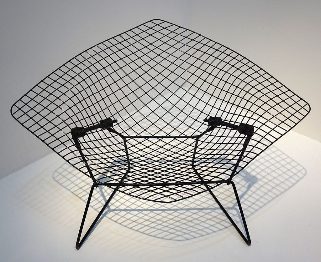 Diamond Chair representing the machine style